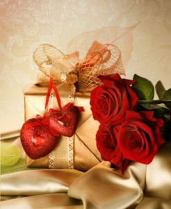 gold-gift-red-hearts